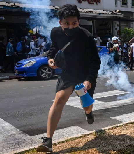 La police ouvre le feu sur des manifestants en Birmanie, au moins 3 morts