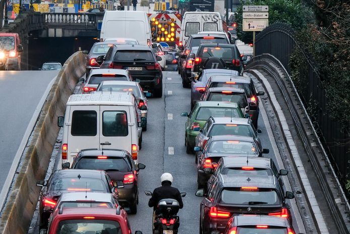File aan de Brusselse tunnels: het mobiliteitsprobleem schrikt investeerders af.