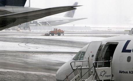 Foto van Sneeuwproblemen op Europese luchthavens