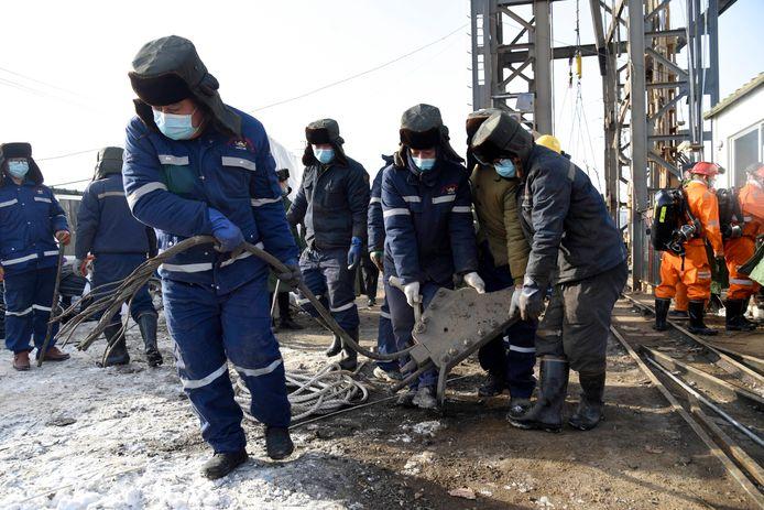 Hulpdiensten zoeken naar de vermiste mijnwerkers