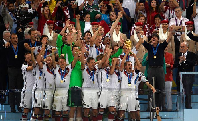 Het hoogtepunt uit de loopbaan van Joachim Löw: Duitsland wordt in Brazilië wereldkampioen.