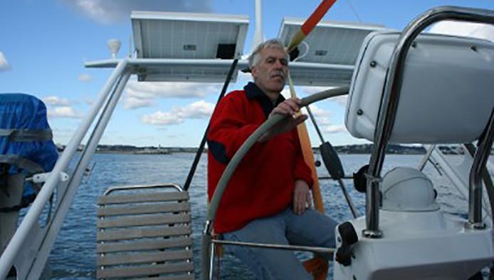 Peter Putker uit Heino kwam met het stoffelijk overschot van zijn vrouw terug naar Nederland.