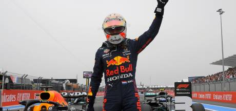 Ongenaakbare Verstappen troeft Mercedessen af en start van pole in Frankrijk