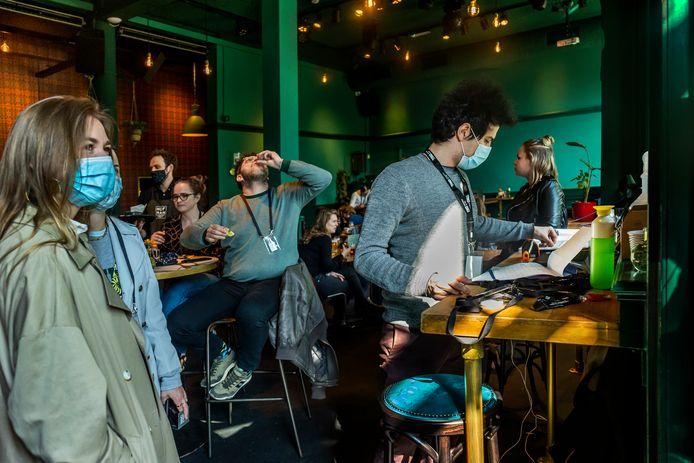 Cafe Hofman op de laatste dag van het Fieldlab-experiment in de horeca.