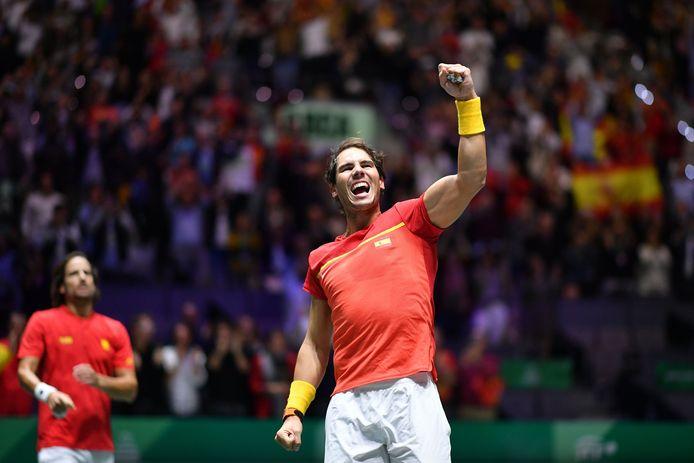 Een vierende Rafael Nadal.