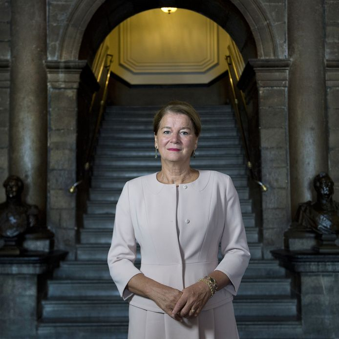 Annemarie Penn-te Strake, burgemeester van Maastricht, is een van de mensen die Code Oranje een warm hart toedraagt.