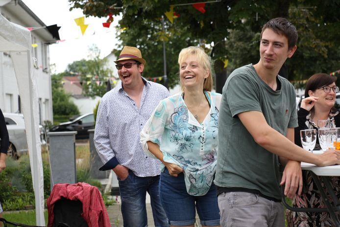 Radiozender MIG trok er naar aanleiding van de Vlaamse feestdag op uit en bracht in verschillende straten heel wat vertier.