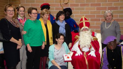 Zonta International Aalst verwelkomt Sint in MPC Sint-Franciscus