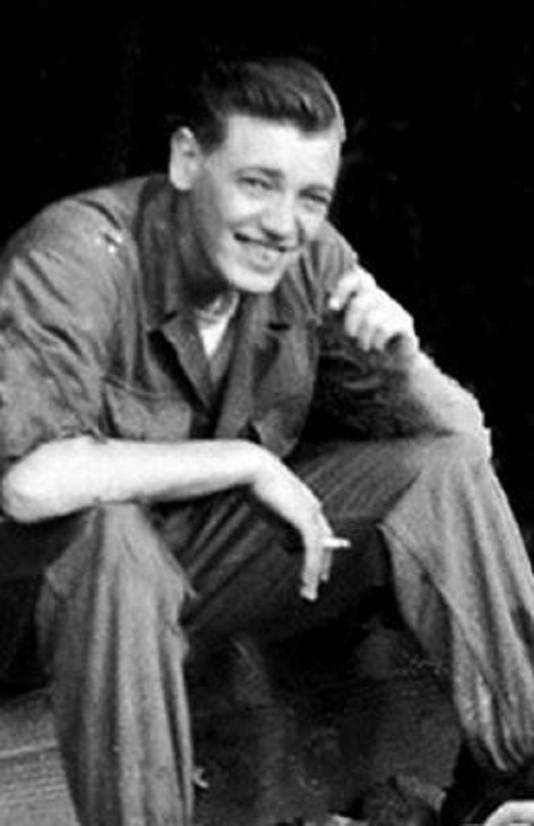 De enige foto van Joop Aldewereld tijdens de Koreaanse Oorlog, genomen enkele maanden voor terugkeer naar Nederland in 1954.