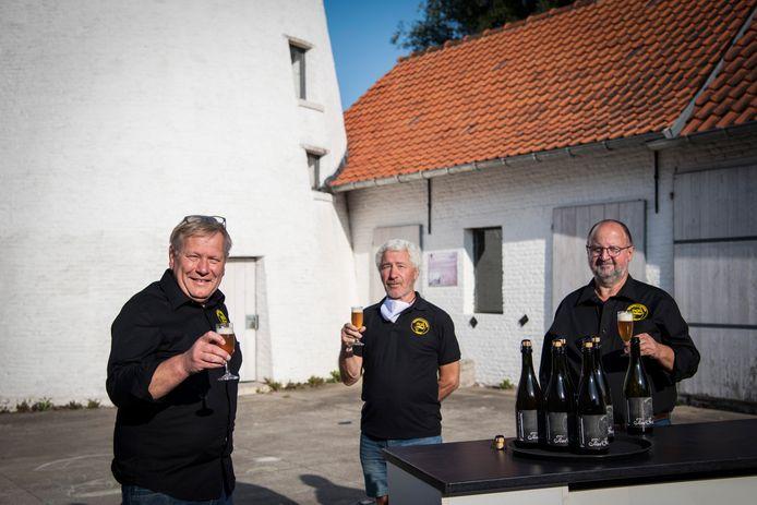 De Bierpallieters laten tijdens hun Gralijk Spontane Kerremis ook hun eigen nieuwe Fond Geuze proeven.