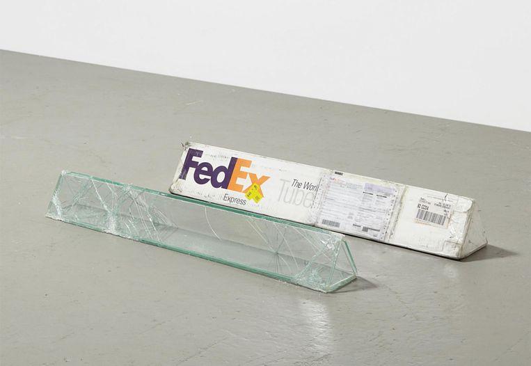 'FedEx Tube' van Walead Beshty. Beeld rv