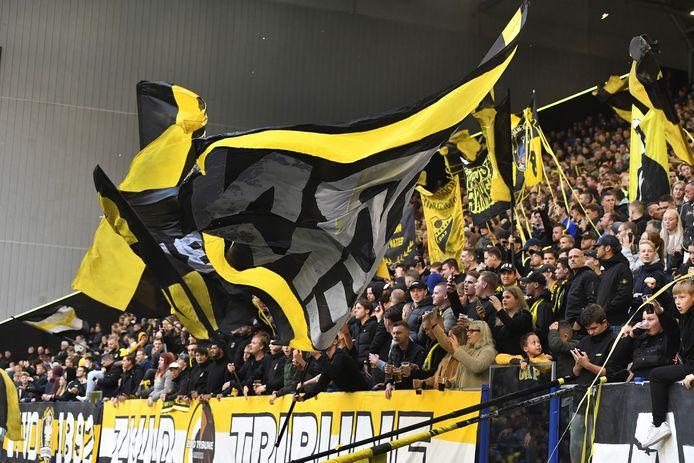 Vitesse-fans op de eigen Zuid-tribune tijdens de thuiswedstrijd onlangs tegen Feyenoord.