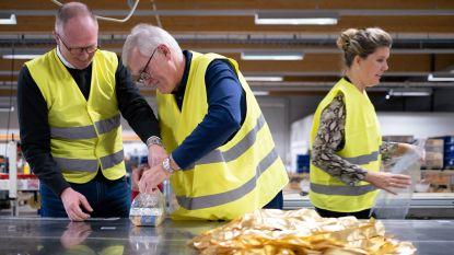 Leden Rotary Club even aan de slag bij Flexpack