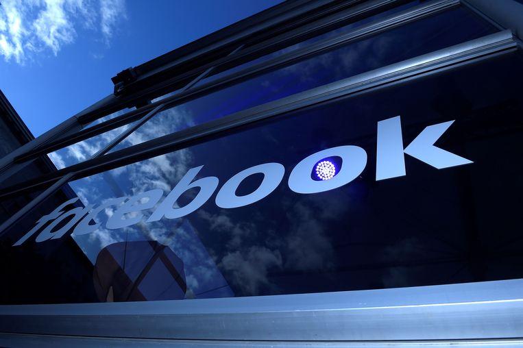 Een werkplek van Facebook in Berlijn. Beeld AFP