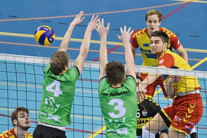 Frits van Gestel (rechts): ,,Aanvallend ging het vanavond beter dan in de vorige wedstrijd.''