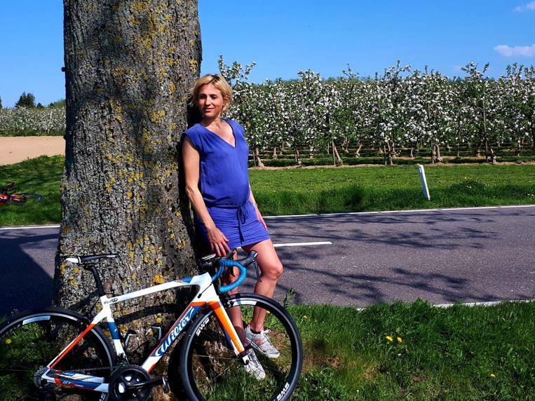 Sofie Goos is op 28 april acht maanden zwanger en blijft werken aan haar conditie. Ze fietst nog vaak, maar wil na acht maanden zwangerschap ook de 10 Miles meelopen.