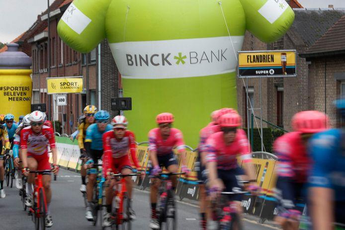 De renners in de BinckBank Tour.