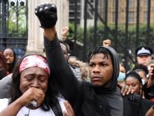 Star Wars-acteur John Boyega houdt emotionele speech bij protestmars Londen