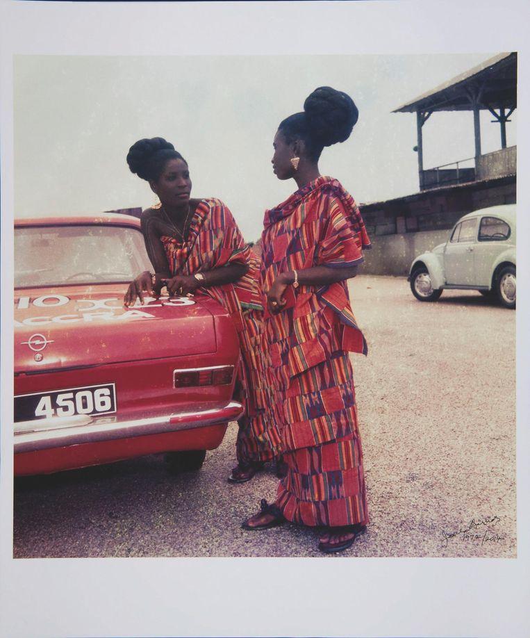 Fotograaf James Barnon gaf de traditionele 'kente'-doek een moderne en modieuze uitstraling. Beeld James Barnor