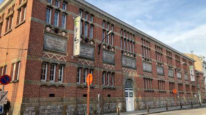 Gemeenteschool met badhuis en panden Delacre en Keller beschermd
