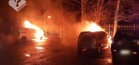 Twee auto's uitgebrand in Veenendaal, politie denkt aan brandstichting
