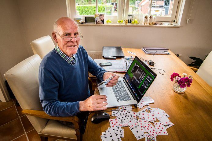 Hans Heitkamp hoopt over enkele maanden weer aan een tafel te kunnen bridgen met de Bridgeclub Haaksbergen.
