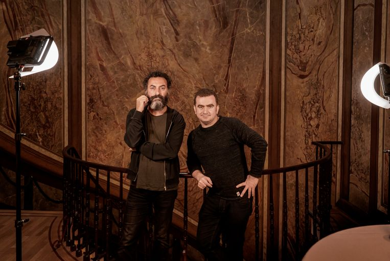 Filmmakers Bülent Oztürk en Sahim Omar Kalifa. Beeld Eric de Mildt