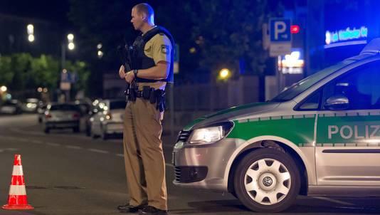 Duitse politie in Ansbach na de aanslag.
