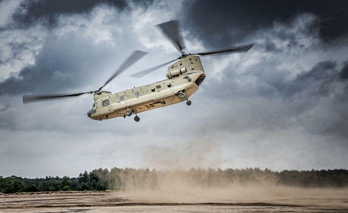 Een Chinook-helikopter. Een van de luchtvaartuigen die je kunt verwachten in het laagvlieggebied Maas en Waal. Foto ter illustratie.