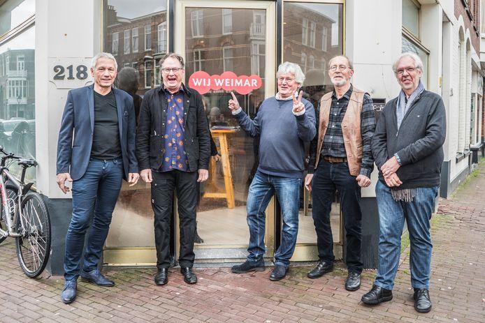 Piet Driest (midden) is een van de initiatiefnemers van Buurtgoed Vastgoed. Ook zit hij in de buurtorganisatie Wij Weimar.