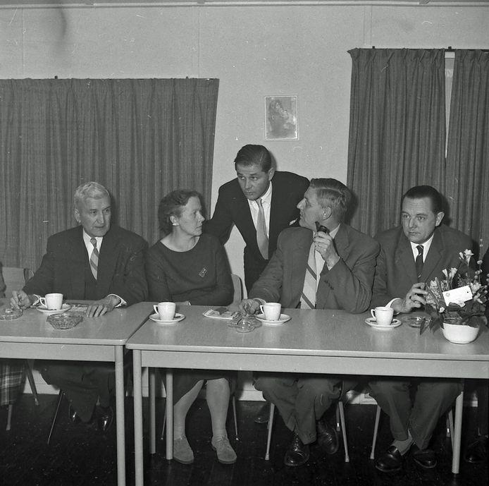 De opening van wijkhuis Don Bosco aan het Lavendelplein in Eindhoven in 1960