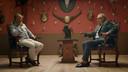 In Stukken van Mensen kocht Paul De Grande (rechts) voor het recordbedrag van 615.000 euro pistolen van Napoleon. De wand is een kunstwerk van Mark Dion in de Verbeke Foundation.