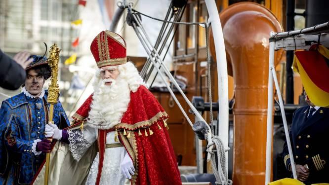 Sinterklaasintocht toch met stoomboot in Amsterdam