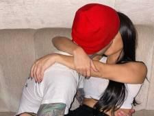 """Travis Barker célèbre l'anniversaire de Kourtney Kardashian avec des photos très intimes: """"Et si vos enfants voient ça?"""""""