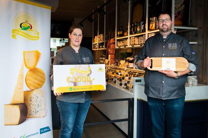 Maarten Lanckzweirt en zijn verloofde winnen een prijs van 1.000 euro.