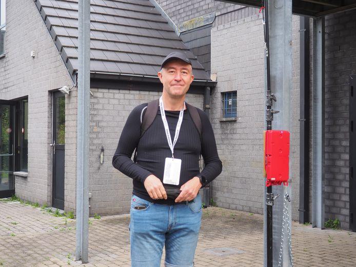 Zaterdagochtend ging de eerste editie van Dodentocht Light van start. Francis Van der Beken bij een scanner.
