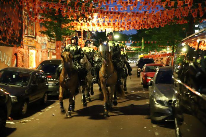 Drukte op straat na het EK-duel Nederland-Oekraïne.