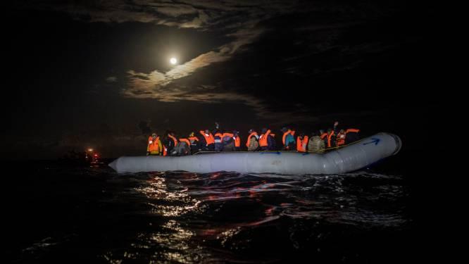 Zowat 150 mensen gered van boten voor kust Canarische Eilanden