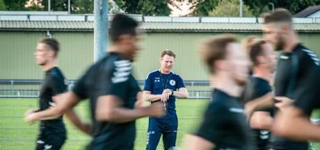 NEC haalt jeugdtrainer Van Kouwen weg bij Vitesse