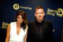 Johnny de Mol met zijn toenmalige vriendin Shima bij het Gouden Televizier-Ring Gala 2014.