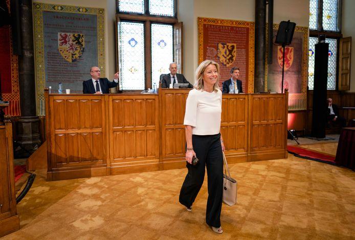 Minister Kajsa Ollongren van Binnenlandse Zaken en Koninkrijksrelaties (D66) in de Eerste Kamer, waar ze werd opgeroepen om de huren te bevriezen.