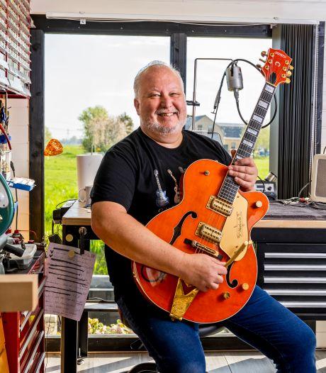 Hoe de gitaar van ex-Rolling Stone Mick Taylor in een klein Zuid-Hollands dorpje terechtkwam