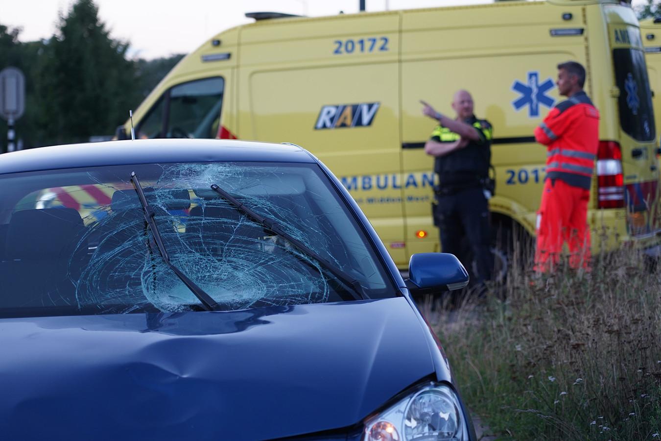 Jong kind raakt ernstig gewond bij aanrijding in Oosterhout.