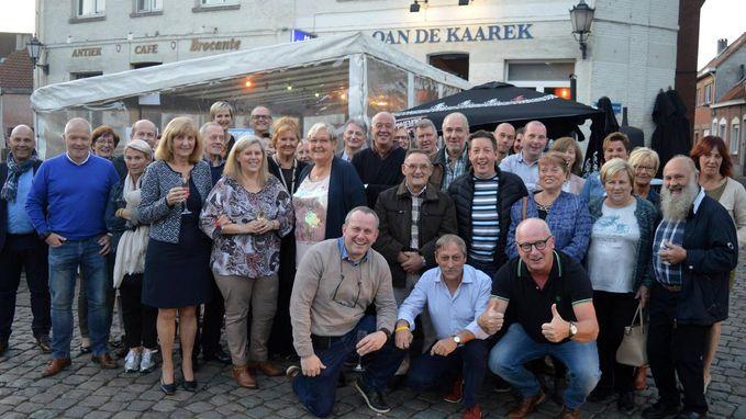 Deejays Barbier houden reünie in 'Oan De Kaarek'
