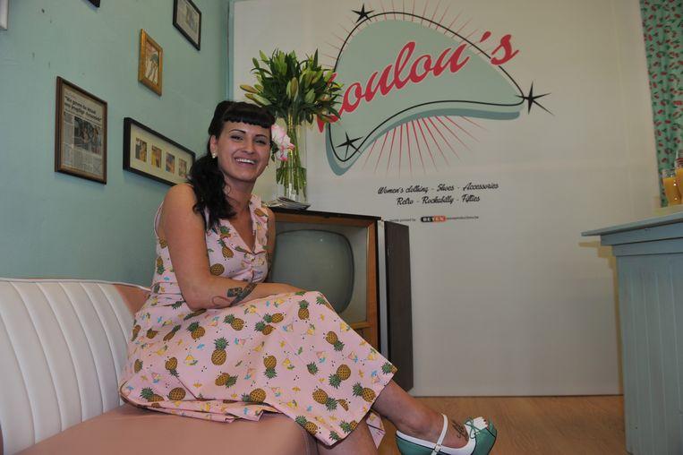 Ilona Bercx (23) in haar vintagewinkel Loulou's.