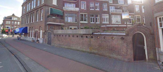 De oude fietsenstalling aan de Beeklaan 412 staat te koop voor het bedrag van 199.999 euro. ,,Uniek in Den Haag'', volgens de aanbiedende makelaar.