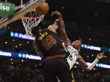Sterspeler LeBron helpt Cavaliers aan plek in NBA-finale