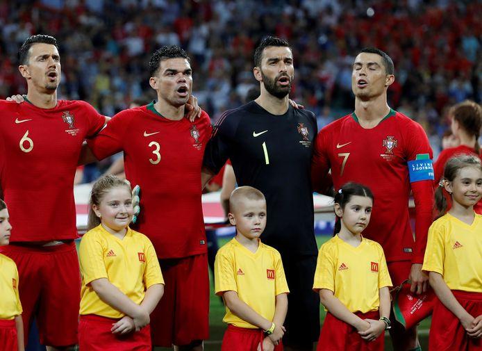 José Fonte (l) en CR7 (r) kennen elkaar goed van hun tijd bij de Portugese nationale ploeg.