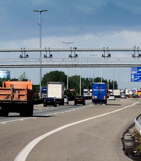 Schotse trucker riskeert 37 maanden cel voor smokkel van 10 Vietnamezen tussen z'n lading autobanden