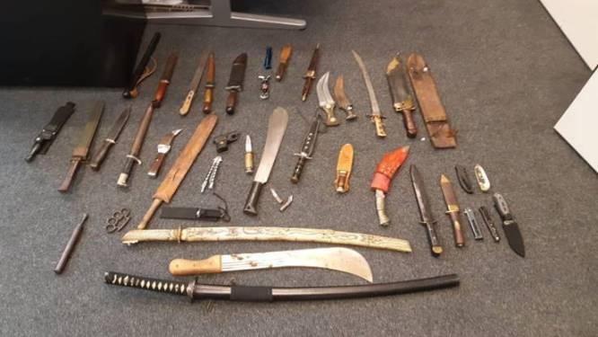 Veertig messen en mesjes ingeleverd tijdens campagne: 'Blij dat er weer wapens van de straat zijn'